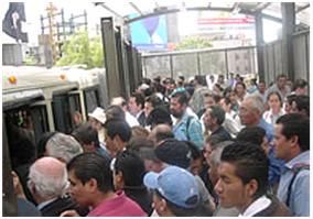 En las horas pico todo transporte público sufre de sobredemanda